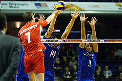08.01.2016, Max Schmeling Halle, Berlin, GER, CEV Olympia Qualifikation, Frankreich vs Bulgarien, im Bild Im Blck: NicolasLe Goff (#14, Frankreich/France) und Earvin?Ngapeth (#9, Frankreich/France) // during 2016 CEV Volleyball European Olympic Qualification Match between France and Bulgaria at the  Max Schmeling Halle in Berlin, Germany on 2016/01/08. EXPA Pictures © 2016, PhotoCredit: EXPA/ Eibner-Pressefoto/ Wuechner<br /> <br /> *****ATTENTION - OUT of GER*****