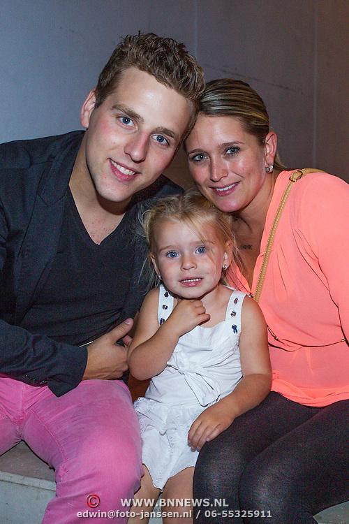 NLD/Ede/20130827 - Nederland Muziekland 2013 Ede, Wesley Klein, partner Nellie en dochter Jailey
