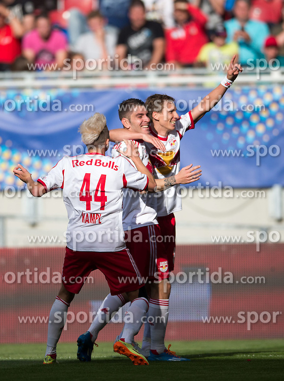 18.05.2014, Woerthersee Stadion, Klagenfurt, AUT, OeFB Samsung Cup, FC Red Bull Salzburg vs SKN St. Poelten, Finale, im Bild Jubel bei FC Red Bull Salzburg nach dem 3:1 durch Kapitän Jonatan Soriano Casas (FC Red Bull Salzburg)// during the mens OeFB Samsung Cup final match between FC Red Bull Salzburg vs SKN St. Poelten at the Woerthersee Stadium, Klagenfurt, Austria on 2014/05/18. EXPA Pictures © 2014, PhotoCredit: EXPA/ Johann Groder
