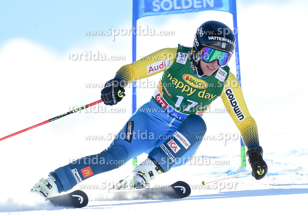 22.10.2016, Rettenbachferner, Soelden, AUT, FIS Weltcup Ski Alpin, Soelden, Riesenslalom, Damen, 1. Durchgang, im Bild Kajsa Kling of Sweden // in action during 1st run of ladies Giant Slalom of the FIS Ski Alpine Worldcup opening at the Rettenbachferner in Soelden, Austria on 2016/10/22. EXPA Pictures © 2016, PhotoCredit: EXPA/ Erich Spiess