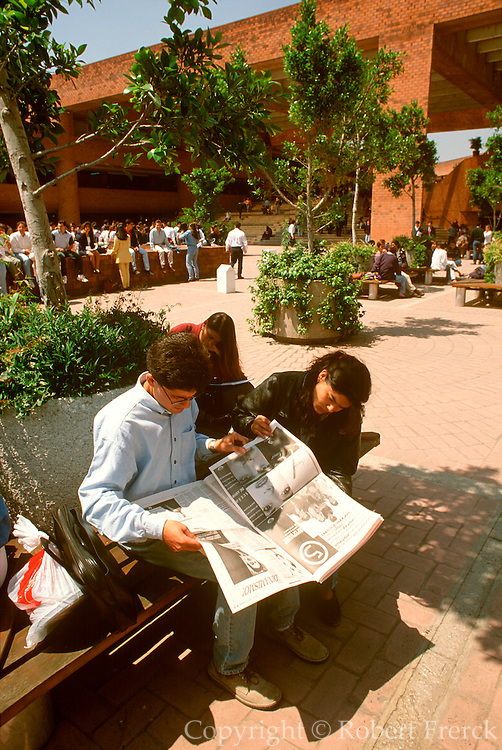 MEXICO, MEXICO CITY, EDUCATION Ibero Americana University, leading university with new campus in suburbs of Mexico City, student reading ads