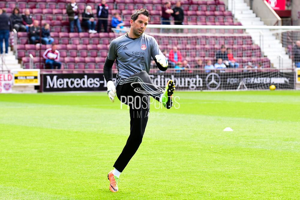 Aberdeen keeper Joe Lewis warms up ahead of the Ladbrokes Scottish Premiership match between Heart of Midlothian and Aberdeen at Tynecastle Stadium, Gorgie, Scotland on 7 May 2017. Photo by Kevin Murray.