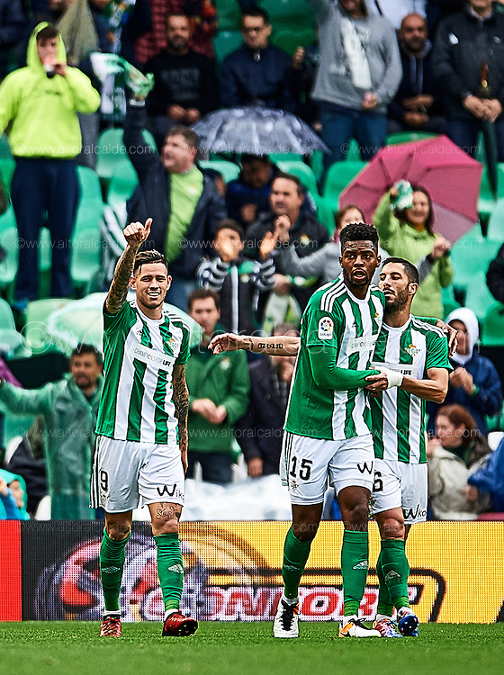 SEVILLE, SPAIN - DECEMBER 04:  Arnaldo Antonio Sanabria of Real Betis Balompie celebrates after scoring during La Liga match between Real Betis Balompie an RC Celta de Vigo at Benito Villamarin Stadium on December 4, 2016 in Seville, Spain.  (Photo by Aitor Alcalde Colomer/Getty Images)