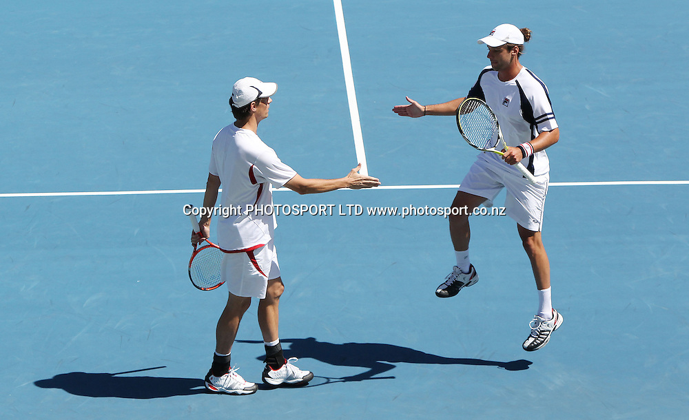 Roger Wassen (NED) and Horacio Zeballos (ARG) (R) celebrate a point against the USA's Bob and Mike Bryan at the Heineken Open, ASB Tennis Centre, Auckland, New Zealand. Tuesday 12 January, 2010. Photo: Andrew Cornaga/PHOTOSPORT