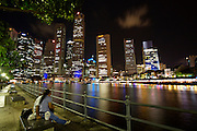 Nightlife along Singapore River. Lovers.