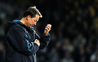 Photo: Alan Crowhurst.<br />West Ham v Liverpool. The Barclays Premiership. 30/01/2007.  West Ham manager Alan Curbishley.