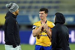 Freddie Burns of Bath Rugby speaks with Peter Betham of Clermont Auvergne - Mandatory byline: Patrick Khachfe/JMP - 07966 386802 - 15/12/2019 - RUGBY UNION - Stade Marcel-Michelin - Clermont-Ferrand, France - Clermont Auvergne v Bath Rugby - Heineken Champions Cup