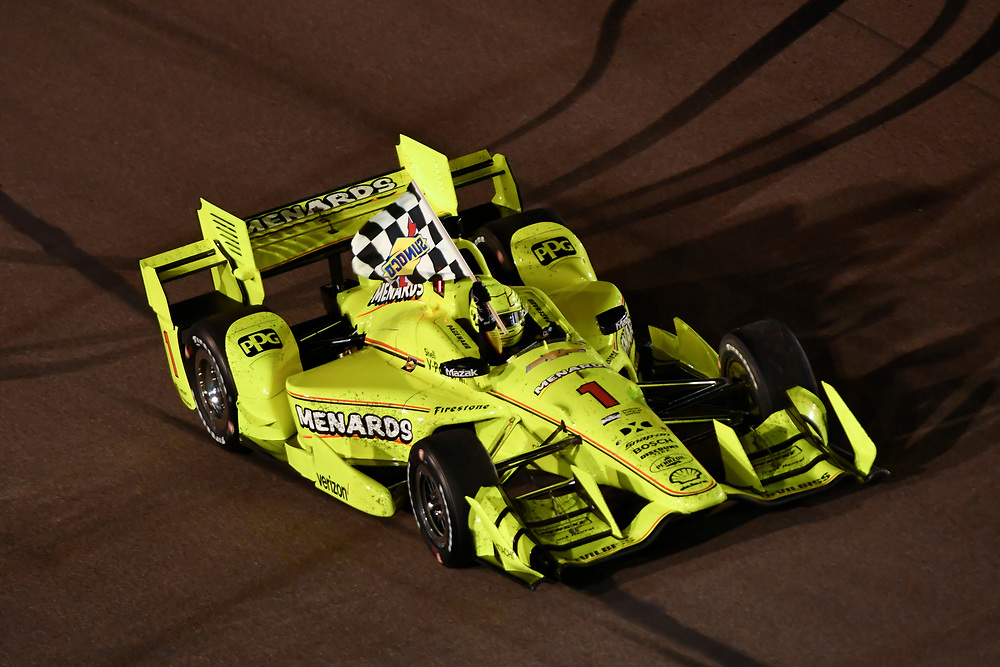 Verizon IndyCar Series<br /> Desert Diamond West Valley Phoenix Grand Prix<br /> Phoenix Raceway, Avondale, AZ USA<br /> Saturday 29 April 2017<br /> Simon Pagenaud, Team Penske Chevrolet celebrates the win on track with checkered flag<br /> World Copyright: Scott R LePage<br /> LAT Images<br /> ref: Digital Image lepage-170429-phx-4782