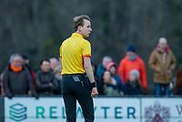 BLOEMENDAAL - scheidsrechter Constantijn Schaap  tijdens de competitie hoofdklasse hockeywedstrijd heren, Bloemendaal-Pinoke (3-2)   COPYRIGHT KOEN SUYK
