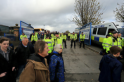 Police separate rival supporters outside the ground - Mandatory by-line: Paul Roberts/JMP - 29/10/2017 - FOOTBALL - St Andrew's Stadium - Birmingham, England - Birmingham City v Aston Villa - Skybet Championship