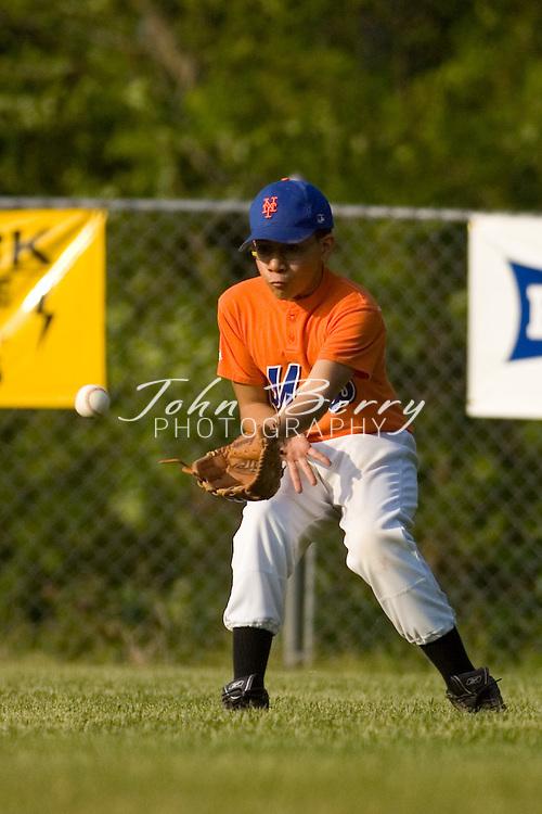 Madison Parks and Rec Baseball.Majors-Nationals vs Mets.5/15/2007