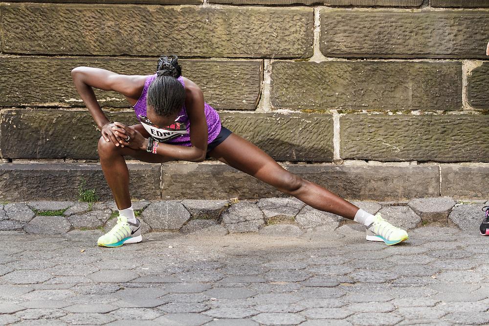 NYRR Oakley Mini 10K for Women: Edna Kiplagat, Nike