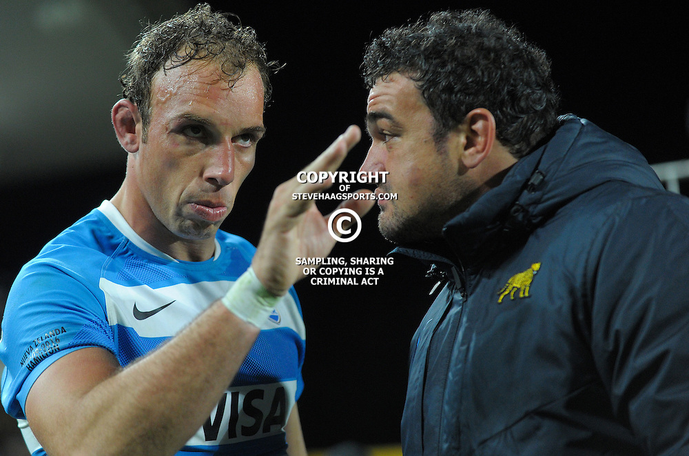 Leonardo Senatore discusses tactics with captain Agustin Creevy after The Rugby Championship match between the NZ All Blacks and Argentina Pumas at FMG Stadium in Hamilton, New Zealand on Saturday, 10 September 2016. Photo: Dave Lintott / lintottphoto.co.nz