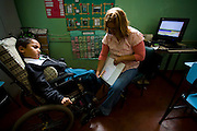 Ribeirao das Neves_MG, Brasil...Tecnica de comunicacao utilizada na Escola Estadual Pedro Fernandes para um aluno com paralisia celebral comunicar com professores e colegas...The communication technique used by the State School Pedro Fernandes for a student with cerebral palsy communicate with teachers and colleagues...Foto: LEO DRUMOND / NITRO.