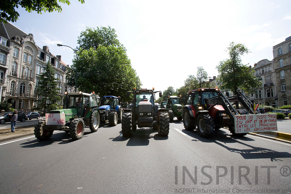 BRUSSELS - BELGIUM - 18 JUNE 2008 -- Hundreds of Farmers from belgian Wallonia went with their tractors to brussels to protest against high fuel cost the day before an EU summit to push leaders for help coping with skyrocketing fuel prices. The tractors arriving in Brussels.  Photo: Erik Luntang