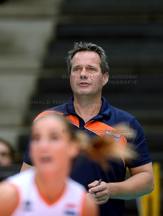 23-09-2014 ITA: World Championship Nederland - Kazachstan, Verona<br /> Nederland wint de opening wedstrijd met 3-0 / Coach Gido Vermeulen