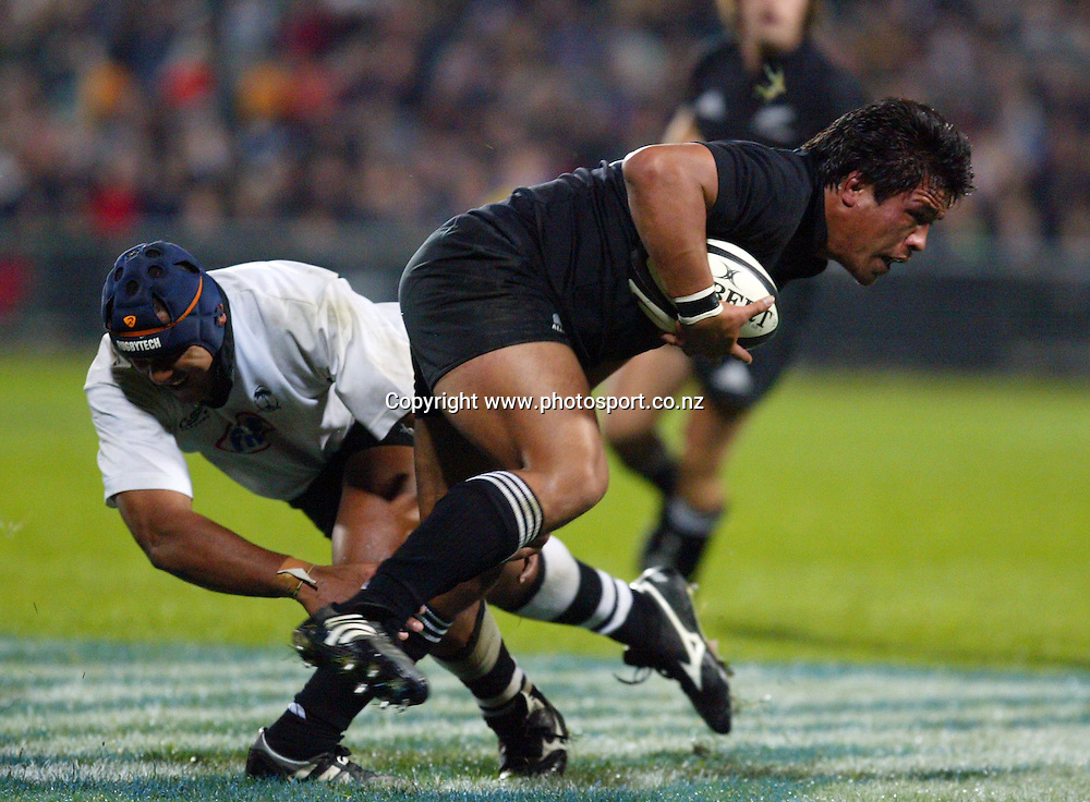 Keven Mealamu on his way to score during the All Blacks v Fiji test match played at Albany Stadium in Auckland on Friday 10 June, 2005. The All Blacks won 91-0. Photo: Hannah Johnston/PHOTOSPORT