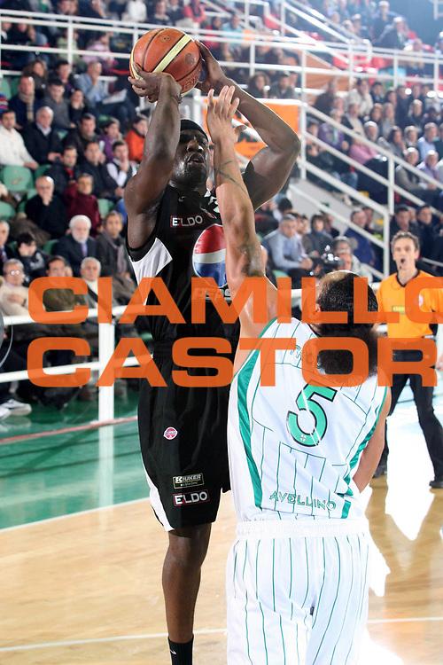 DESCRIZIONE : Avellino Lega A 2009-10 Air Avellino Pepsi Juve Caserta<br /> GIOCATORE : Jumaine Jones<br /> SQUADRA : Pepsi Juve Caserta<br /> EVENTO : Campionato Lega A 2009-2010<br /> GARA : Air Avellino Pepsi Juve Caserta<br /> DATA : 19/12/2009<br /> CATEGORIA : Tiro<br /> SPORT : Pallacanestro<br /> AUTORE : Agenzia Ciamillo-Castoria/GiulioCiamillo<br /> Galleria : Lega Basket A 2009-2010 <br /> Fotonotizia : Avellino Campionato Italiano Lega A 2009-2010 Air Avellino Pepsi Juve Caserta<br /> Predefinita :