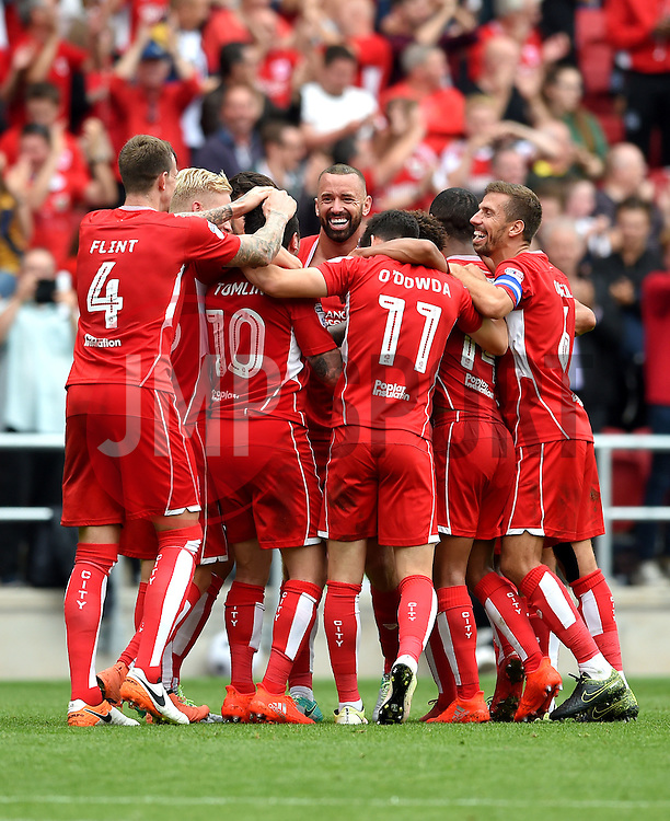 Lee Tomlin of Bristol City celebrates his goal with team mates  - Mandatory by-line: Joe Meredith/JMP - 27/08/2016 - FOOTBALL - Ashton Gate - Bristol, England - Bristol City v Aston Villa - Sky Bet Championship