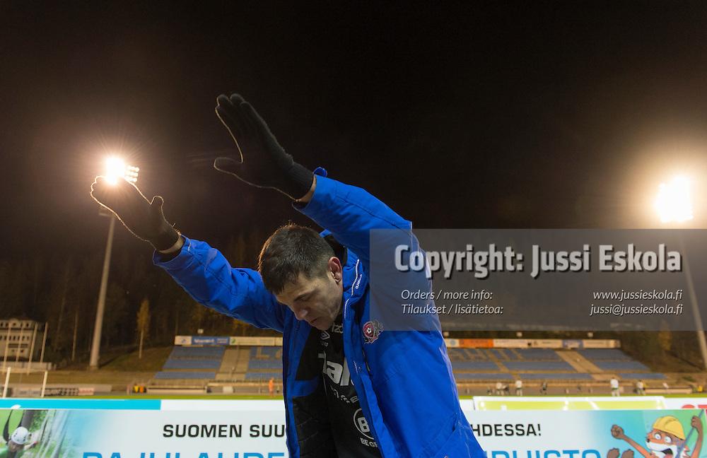 Rafael vaihtoon, viimeinen kotiottelu. FC Lahti - IFK Mariehamn. Veikkausliiga. Lahti 17.10.2016. Photo: Jussi Eskola