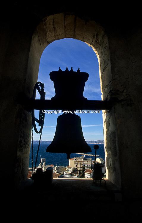 ENDOUME// VIEW FROM ENDOUME CHURCH BELL TOWER  Marseille  France    //ENDOUME//VUE DEPUIS LE CLOCHER DE L EGLISE D ENDOUME  Marseille  France  //    L0008293  /  R20711  /  P115718//ENDOUME