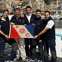 There are only a very few pictures taken with the whole crew. That day, nobody can be happier that the five of us. The world tour is a success, and we spent the week-end celebrating in Monaco with our families, friends, supporters and SAS Prince Albert II. We have made it!<br />