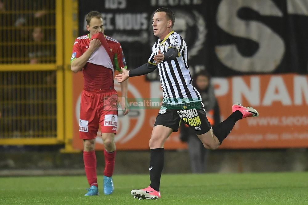 December 1, 2017 - France - CHARLEROI, BELGIUM - DECEMBER 1 : Clement Tainmont midfielder of Sporting Charleroi celebrates scoring the opening goal, Brecht Capon defender of KV Oostende (Credit Image: © Panoramic via ZUMA Press)