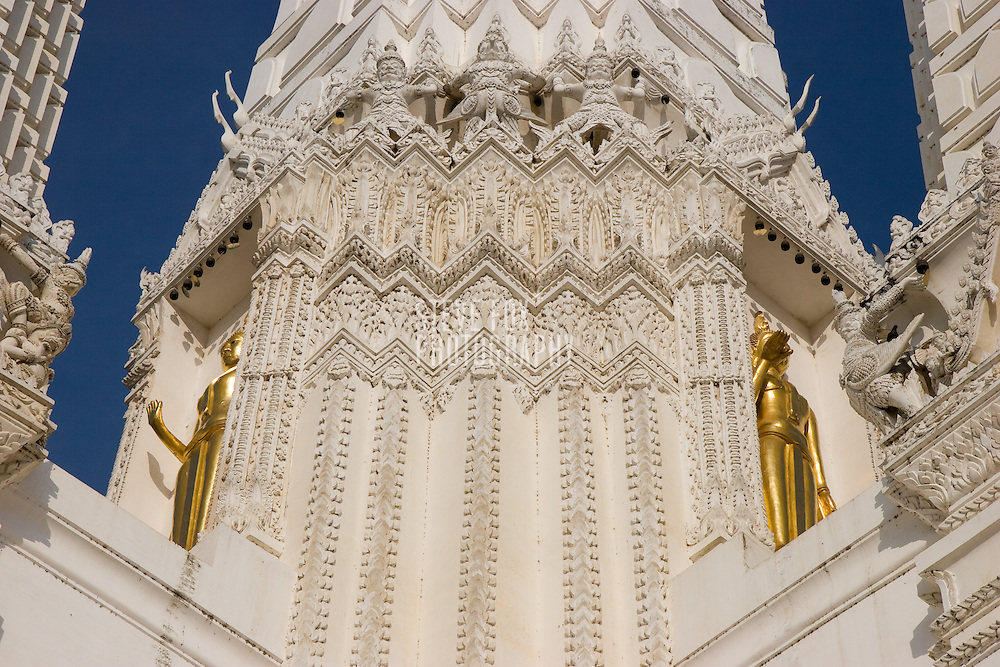 Scenes of Wat Mahathat, Phetchaburi, Thailand