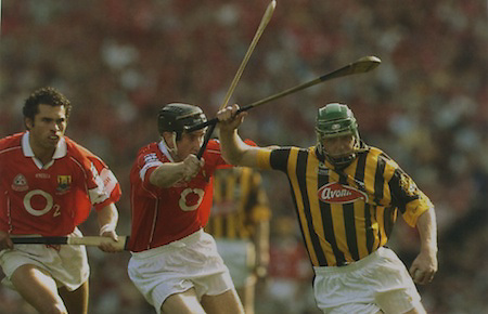 Kilkenny's Henry Shefflin in action against Cork's John Gardiner and Sean Og O'hAilpin.