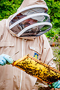 Gary Leatt bee keeper