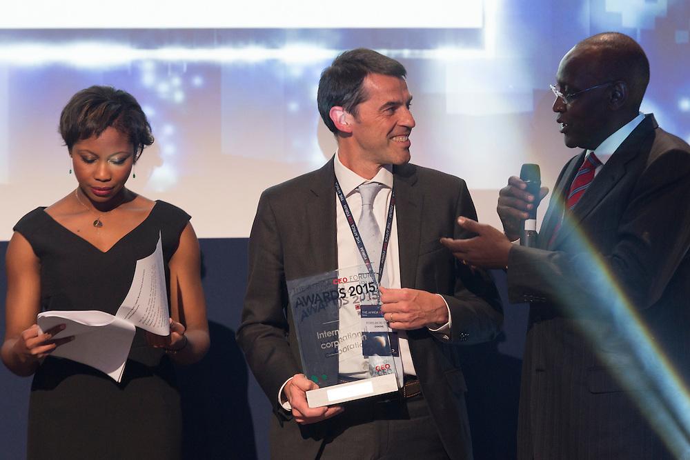 Pierre Terrisse (au centre) lors de la soirée des Awards de l'Africa CEO Forum 2015