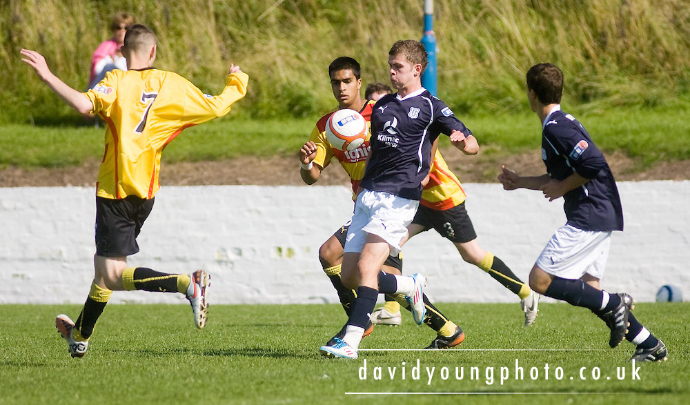 Dundee v Partick Thistle under 19s..© David Young.5 Foundry Place .Monifieth.DD5 4BB.07765252616.email: davidyoungphoto@gmail.com.http://www.davidyoungphoto.co.uk