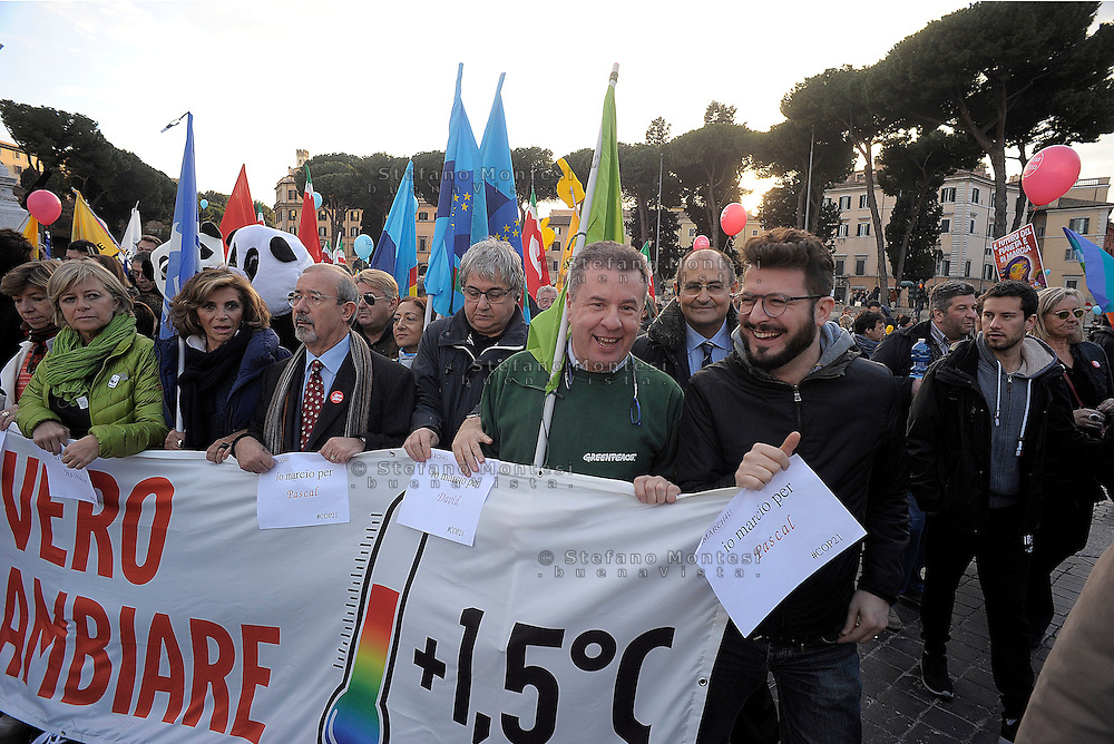 Rome Italy, 29th November 2015<br /> To coincide with the Paris United Nations Climate summit this weekend an similar marches being held across the world, ten of thousands have taken to the streets of Rome to demand action on Climate change