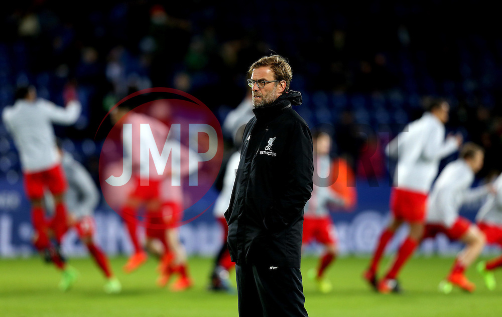 Liverpool manager Jurgen Klopp with his players warming up behind him - Mandatory by-line: Robbie Stephenson/JMP - 27/02/2017 - FOOTBALL - King Power Stadium - Leicester, England - Leicester City v Liverpool - Premier League