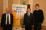 03/03/2008<br /> Presentazione programmi delle Nazionali 2008<br /> Nella foto: Fausto Maifredi, Carlo Recalcati, Danilo Gallinari<br /> Foto Ciamillo