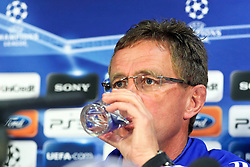 03.05.2011, Old Trafford, Manchester, ENG, UEFA CL, Halbfinale Rueckspiel, Manchester United (ENG) vs Schalke 04 (GER), Abschlusstraining, im Bild: Ralf Rangnick (Trainer Schalke 04) trinkt Wasser von Manchester United   // during the UEFA CL, Semi Final second leg, Manchester United (ENG) vs Schalke 04 (GER), at the Old Trafford, Manchester, Training, 03/05/2011 EXPA Pictures © 2011, PhotoCredit: EXPA/ nph/  Mueller *** Local Caption ***       ****** out of GER / SWE / CRO  / BEL ******