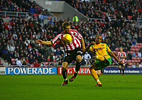 Photo: Andrew Unwin.<br />Sunderland v Norwich City. Coca Cola Championship. 02/12/2006.<br />Norwich's Robert Earnshaw (R) fires his shot over the goal.