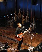 Nils Lofgren, Solos Acoustic Concert