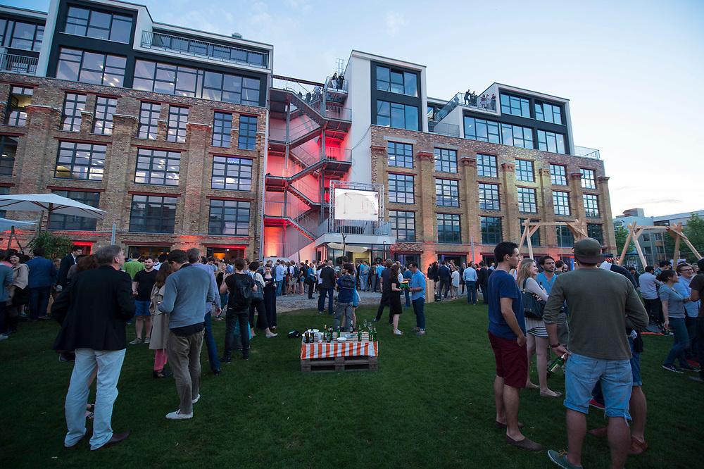 "11 JUN 2014, BERLIN/GERMANY:<br /> Start-up Campus ""Factory Berlin"" am Abend des Eroeffnungstages<br /> IMAGE: 20140611-01-371<br /> KEYWORDS: Eröffnung"