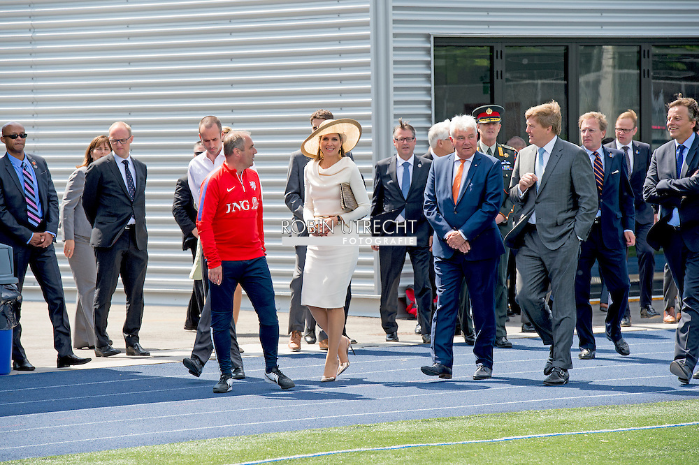 King Willem-Alexander and Queen Maxima of The Netherlands meet the Dutch women football team at the stadion in Toronto, Canada, 29 May 2015. The King and Queen of The Netherlands bring an state visit from 27 till 29 may to Canada. COPYRIGHT ROBIN UTRECHT