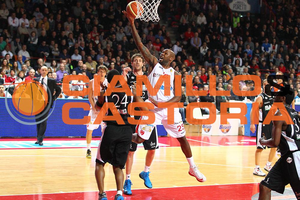 DESCRIZIONE : Varese Lega A 2012-13 Cimberio Varese Saie3 Virtus Bologna<br /> GIOCATORE : Ebi Ere<br /> CATEGORIA : Tiro<br /> SQUADRA : Cimberio Varese<br /> EVENTO : Campionato Lega A 2012-2013<br /> GARA : Cimberio Varese Saie3 Virtus Bologna<br /> DATA : 17/02/2013<br /> SPORT : Pallacanestro <br /> AUTORE : Agenzia Ciamillo-Castoria/G.Cottini<br /> Galleria : Lega Basket A 2012-2013  <br /> Fotonotizia : Varese Lega A 2012-13 Cimberio Varese Saie3 Virtus Bologna<br /> Predefinita :