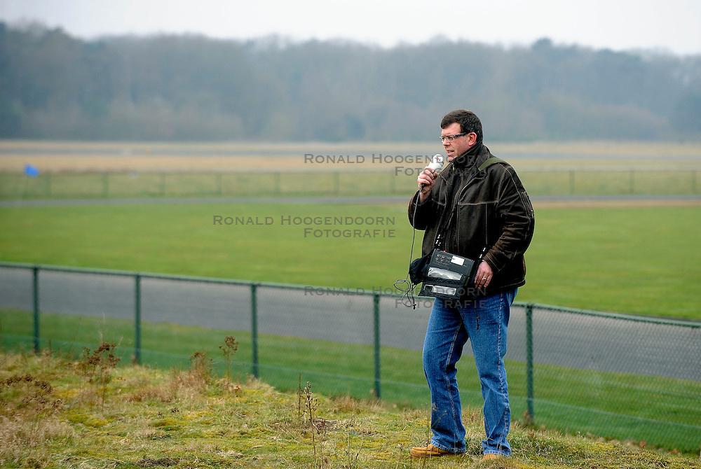 28-03-2008 ALGEMEEN: TOPSPORTERS VAN DEFENSIE: SOESTERBERG<br /> Presentatie van de selectie topsporters van Defensie / Nos radio Andy Houtkamp media<br /> &copy;2008-WWW.FOTOHOOGENDOORN.NL