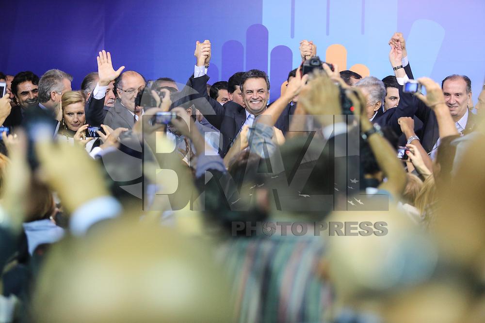 SAO PAULO, SP, 25 DE MARCO 2013 - CONVENÇÃO ESTADUAL DO PSDB - Aecio Neves (c) Fernando Henrique Cardoso (d) e Geraldo Alckmin (e) durante encontro estadual do PSDB-SP  na noite desta segunda-feira. 25 no sede do partido na regiao sul da cidade de Sao Paulo. FOTO: WILLIAM VOLCOV - BRAZIL PHOTO PRESS
