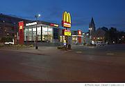Photographies d'architecture du restaurant Mc Donald's à  Saint-Laurent / Montreal / Canada / 2012-07-11, Photo © Marc Gibert / adecom.ca