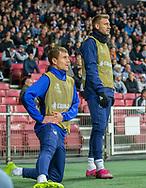 Reserverne Andreas Bjelland og Nicklas Bendtner (FC København) varmer op under kampen i UEFA Europa League mellem FC København og FC Lugano den 19. september 2019 i Telia Parken (Foto: Claus Birch).
