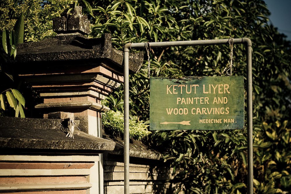 A sign points to Ketut Liyer's home, the medicine man of Eat, Pray, Love fame, in Ubud, Bali, Indonesia.