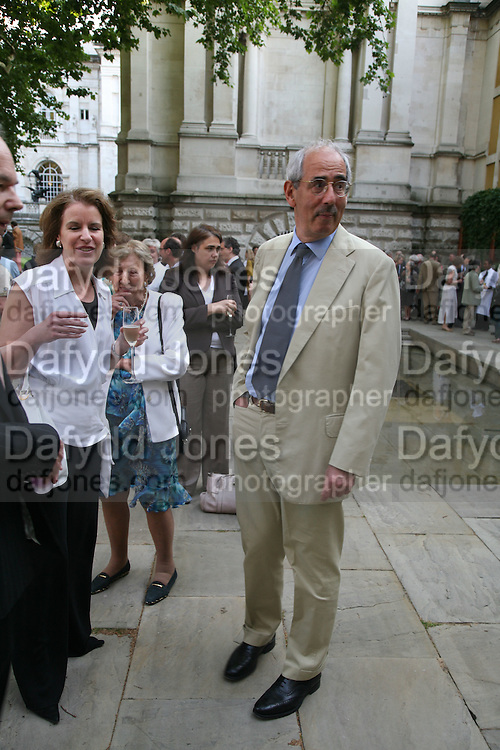 Veronica Wadley and Tom Bower, Hockney on Turner Watercolours, Tate Britain  Clore Galleries. London. 12 June 2007.  -DO NOT ARCHIVE-© Copyright Photograph by Dafydd Jones. 248 Clapham Rd. London SW9 0PZ. Tel 0207 820 0771. www.dafjones.com.