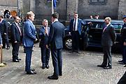 Officieel bezoek Jordanie aan Nederland - Dag 2<br /> <br /> Jordaans koningspaar vertrekt na bezoek in de Tweede Kamer<br /> <br /> Official visit Jordan to the Netherlands - Day 2<br /> <br /> Jordanian royal couple leave after visiting the Parlement<br /> <br /> Op de foto / On the photo:  Koning Willem Alexander met  koning Abdullah II en premier Mark Rutte