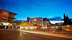 Rivera é uma cidade do Uruguai, no norte do país, que com a vizinha Santana do Livramento, no sul do estado do Rio Grande do Sul, constitui uma curiosa conurbação binacional, denominada Fronteira da Paz, com aproximadamente 190.000 habitantes, que vivem de forma integrada. As principais atividades econômicas da cidade de Rivera são as lojas destinadas ao free-shop, voltadas ao público brasileiro, tornando Rivera um destino popular para a compra de produtos importados em dólar. FOTO: Jefferson Bernardes/Preview.com