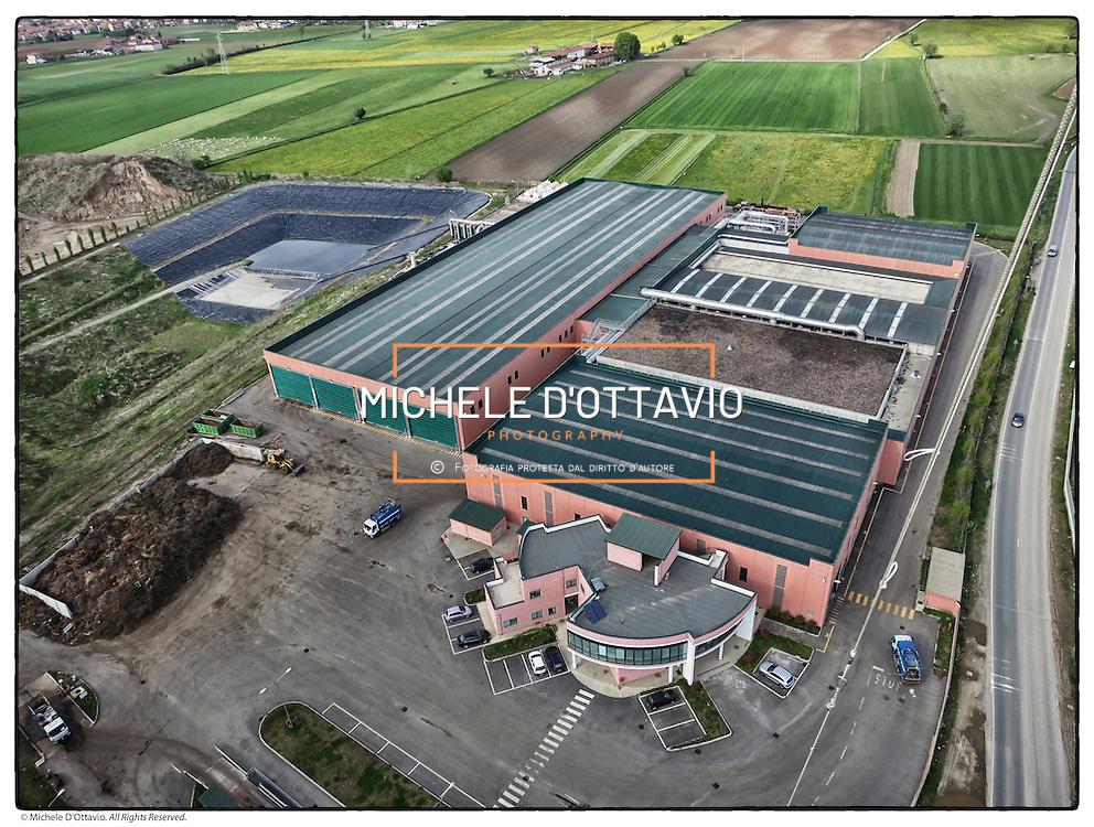 Impianto di compostaggio CIDIU (ex PUNTO AMBIENTE) di Druento (TO). Lâimpianto si occupa della trasformazione della FORSU (Frazione Organica dei Rifiuti solidi Urbani) e di sostanze organiche vegetali in compost.